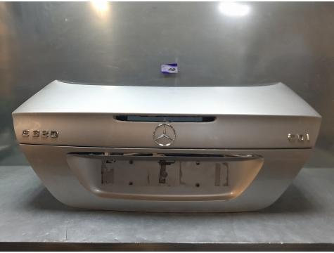 Крышка багажника Mercedes Benz W211