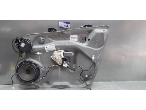 Стеклоподъемник электрический передний правый для Mercedes-Benz Мерседес-Бенц Мерседес Mercedes W245 W 245 B245 B 245 B-CLASS 2008-2011 г.в.