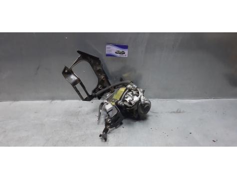 Насос механический топливный  Фильтр топливный Toyota Avensis 3