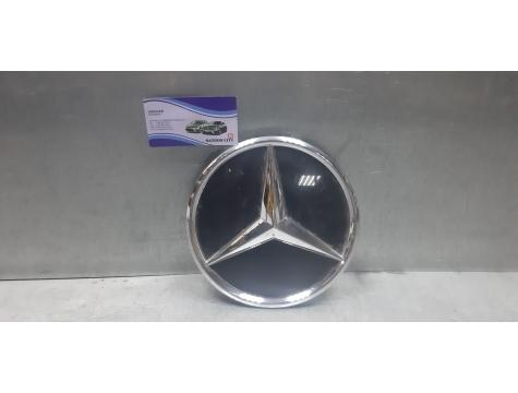 Эмблема на решетку  Mercedes-Benz W205 W 205 C205 C 205 С205 С 205 C-CLASS 2019 г.в
