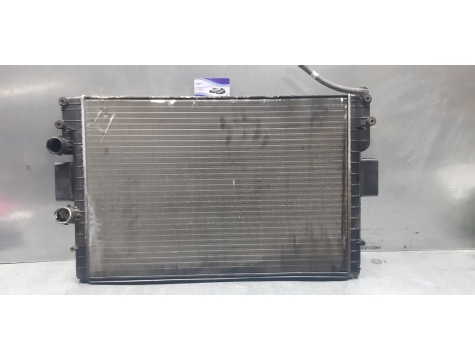 Основной радиатор охлаждения Ивеко Дейли 2.8 Iveco Daily 2,8