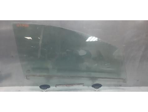 Стекло двери переднее правой Тойота версо Toyota Verso 2009-2017
