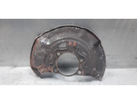 Защита пыльник  тормозного диска правый Toyota