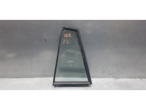Форточка стекло задней двери левое Toyota Verso
