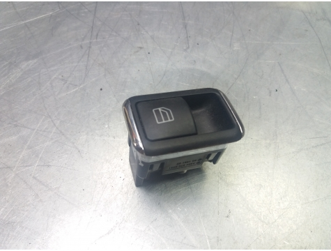 Кнопка стеклоподъемника Mercedes Benz W204
