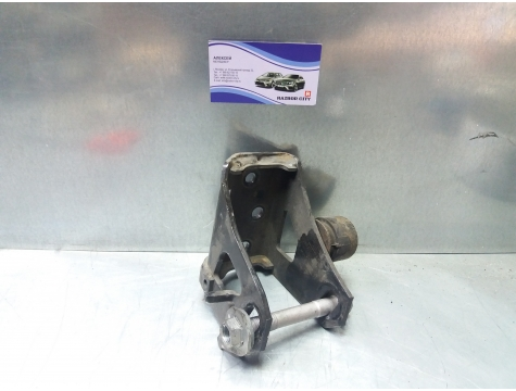 Кронштейн двигателя передний Toyota Avensis 3