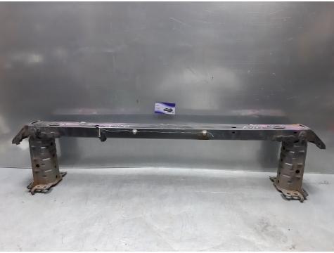 Усилитель бампера передний Toyota Avensis 3
