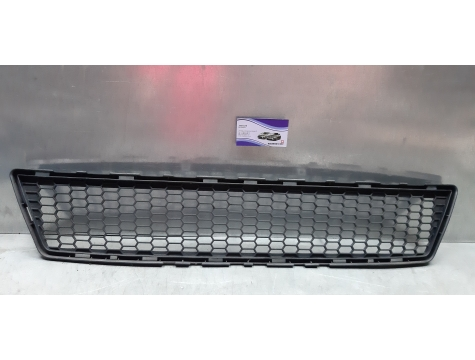 Решетка бампера Toyota Verso