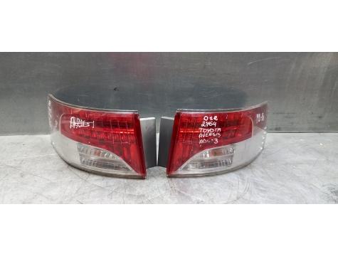 Фонарь задний правый универсал Toyota Avensis 3 AV01