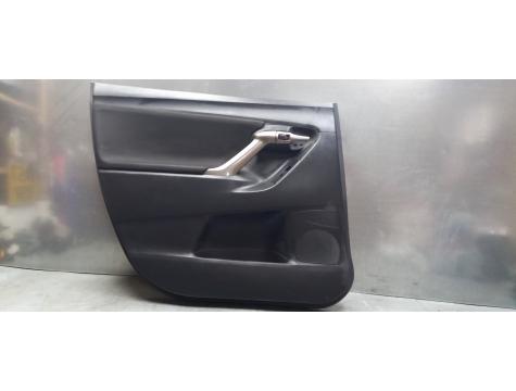 Обшивка двери левая задняя Тойота версо Toyota Verso 2009-2017