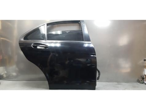 Дверь задняя правая Mercedes Benz W204