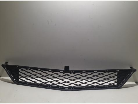 Решетка в бампер центральная Mercedes Benz W245